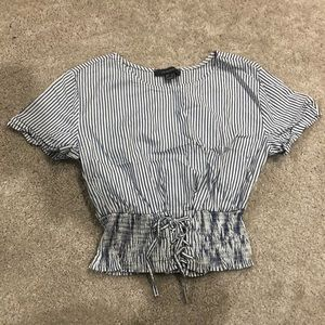 Stripped pull tie shirt